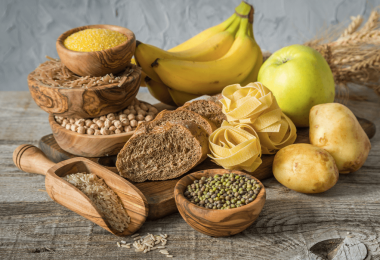 Sèche : puis-je manger des glucides le soir et perdre du poids ?